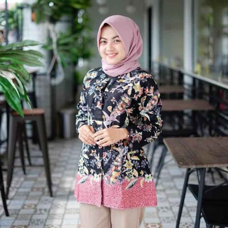 4 Model Baju Batik Atasan Wanita Kantor Terbaru 2019